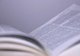 Een Bijbel in een concentratiekamp